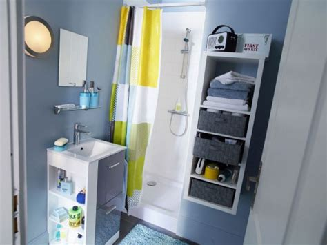 idee rangement vetement chambre des astuces pour optimiser une mini salle de bains