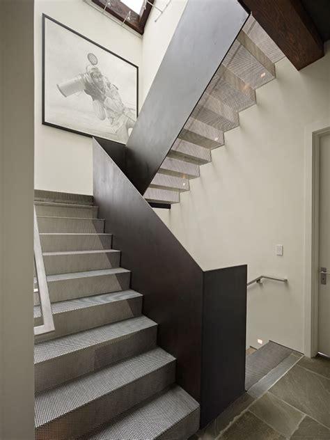 Moderne Treppen Innen by Die Moderne Stahltreppe F 252 R Innen Und Au 223 En In