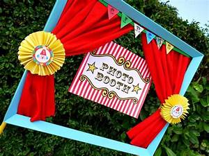 Make Your Own Carnival Table Decorations Photograph 20 DIY