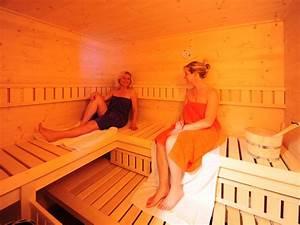 Sauna Im Haus : ferienhaus im feriendorf am hahnenkamm naturparkregion ~ Lizthompson.info Haus und Dekorationen