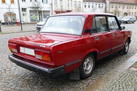 Lada 2107 ,auffällig Die Sind Die Großen Rückleuchten