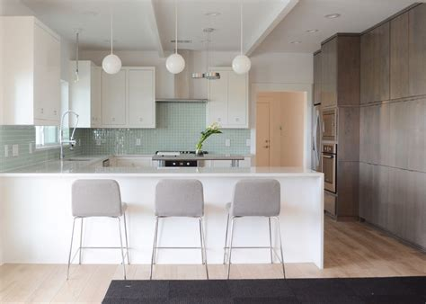 carrelage mur cuisine moderne beautiful sea gull lightingin kitchen contemporary with attractive glass tile backsplash next to