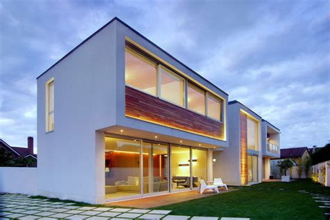 Private Exquisite House Meets Contemporary Elements Of