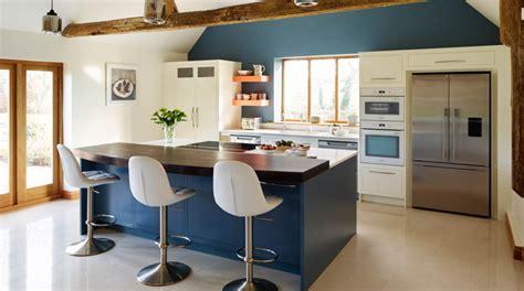 cuisine mur bleu quelle couleur de mur pour une cuisine et quels codes déco