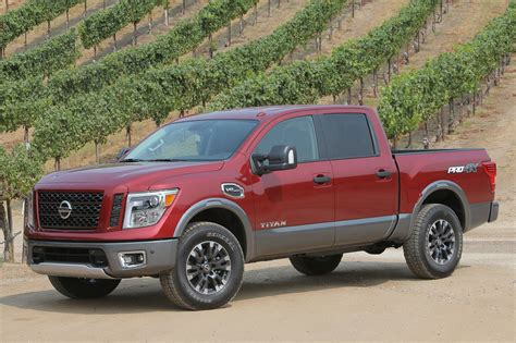 2017 Nissan Titan V 8 Crew Cab First Drive Road Test And