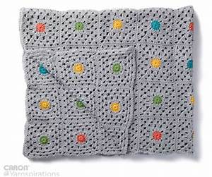 Pin Point – blanket with central flower motif [Free