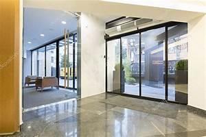 awesome hall d entree moderne contemporary design trends With porte d entrée alu avec tapis salle de bain design