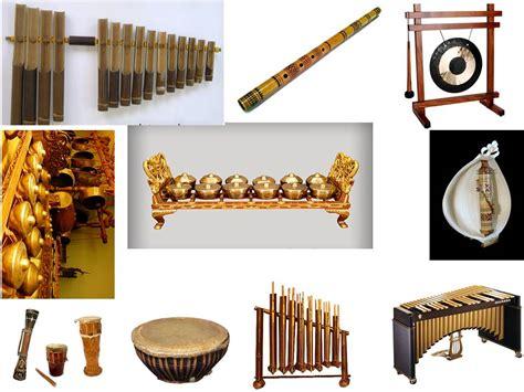 Musik yang berkembang setelah musik klasik dengan instrument musik yang beragam d. 13 Alat Musik Tradisional Indonesia yang Populer di Dunia- Nurfasta.com