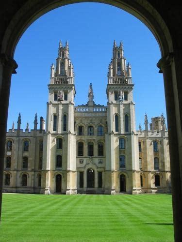 uk universities competing   undergrads foreign