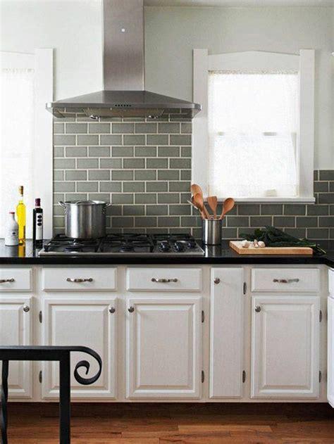 Fliesenspiegel Küche Beispiele by Fliesenspiegel K 252 Che Praktische Und Moderne