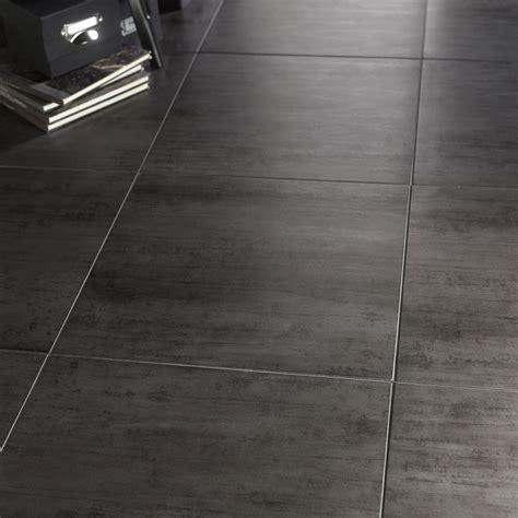 carrelage sol et mur gris foncé effet béton eiffel l 45 x