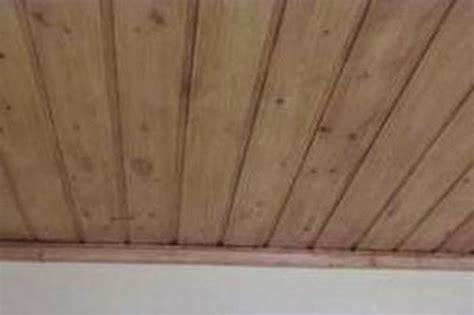 rivestimento soffitto in legno realizzare controsoffitto in legno habitissimo