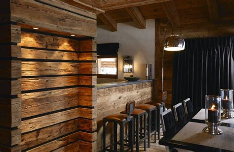 la chambre secrete secret la niche construite en lames de vieux bois ajouré