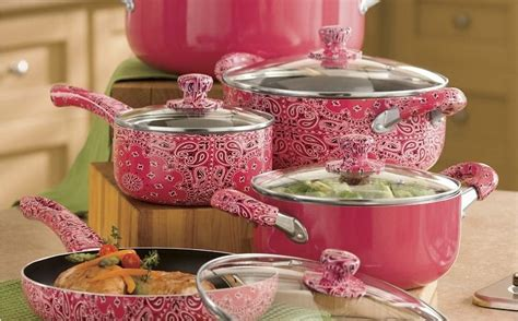give  kitchen  feminine touch   cool pink