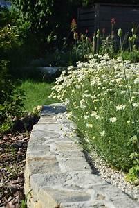 Alternative Zu Gras Garten : bild 1 aus beitrag mauern aus stein gliedern den garten ~ Markanthonyermac.com Haus und Dekorationen