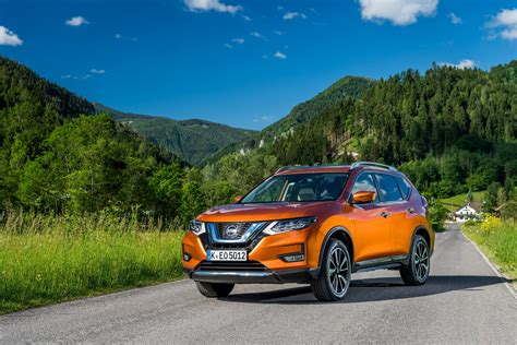 updated  nissan  trail ready  hit europe  pics