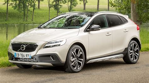 volvo v40 cc 2016 volvo v40 cross country wallpapers and hd images car pixel