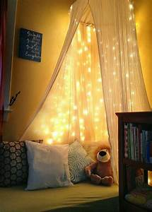 Guirlande Pour Chambre : 1001 id es pour une guirlande lumineuse pour chambre d co chambre cocoon ~ Teatrodelosmanantiales.com Idées de Décoration