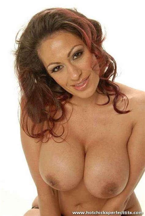 Perfect Latina Milf