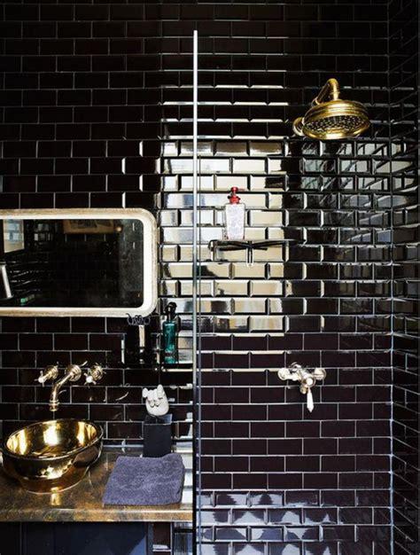 le carrelage noir entre dans la salle de bain et la cuisine archzine fr