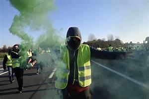 Gilet Jaune En Vendee : mort d 39 une manifestante des gilets jaunes accusent emmanuel macron ~ Medecine-chirurgie-esthetiques.com Avis de Voitures