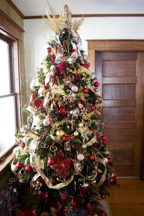 themed overstuffed tree christmas tree