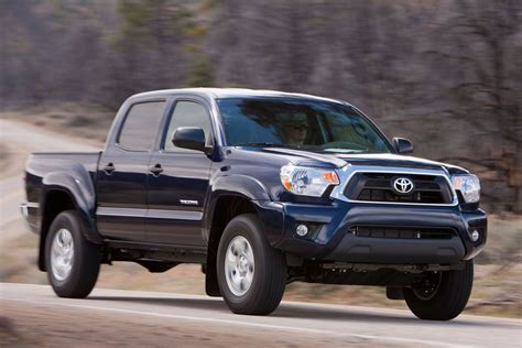 toyota tacoma review specs pictures price mpg