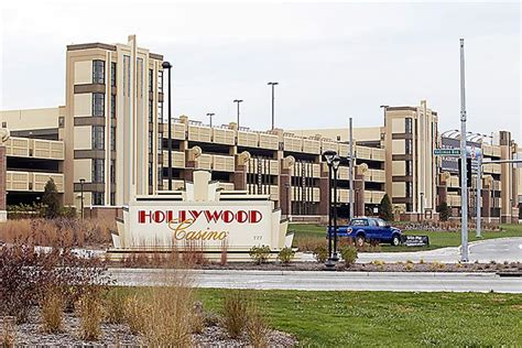 Toledo Casino Workers Easily Agree To Unionize  The Blade