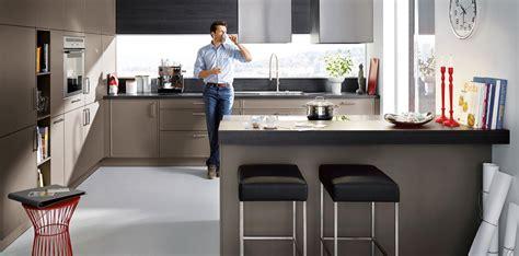 cuisine avec bar table l 39 agencement de cuisine idéal inspiration cuisine