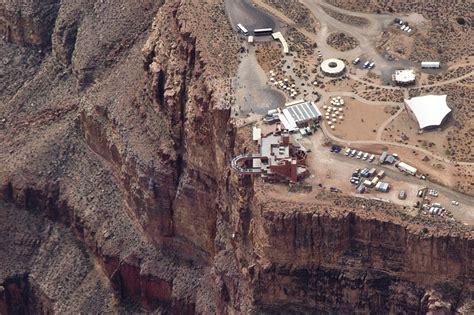 enter  realm   eagle  grand canyon skywalk