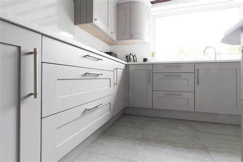 shaker kitchen cabinet handles shaker kitchen handles rapflava 5159