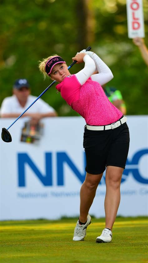 Brooke Henderson⛳️ | Golf outfits women, Golf outfit, Girl ...