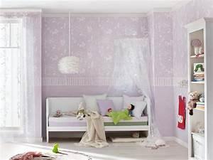 himmelbett im madchen kinderzimmer roomidocom With balkon teppich mit babyzimmer tapete mädchen