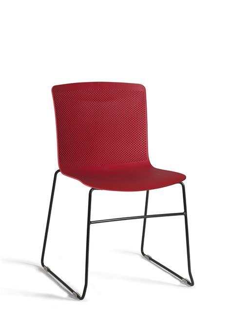 chaise à piètement luge jumbo chaise d 39 accueil chaises collectivités chaise visiteur