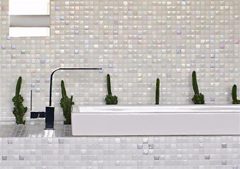 mosaique murale cuisine mosaïque pâte de verre carré blanc nacré mix plaque