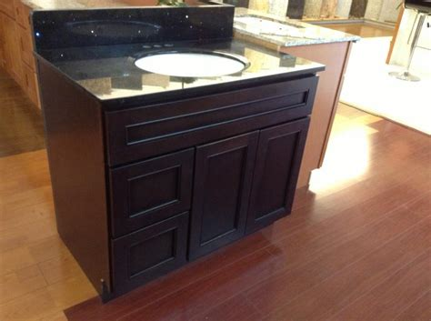 what was the kitchen cabinet summit cabinetry cabinet 1713