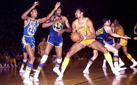 Bouncing: Pemain Legenda Basket (Menurutku)
