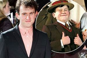 Coussin Harry Potter : harry potter 39 s dudley dursley is all grown up actor harry melling shows off weight loss at new ~ Preciouscoupons.com Idées de Décoration