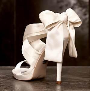 vera wang wedding shoes oncewedcom With wedding dresses and shoes