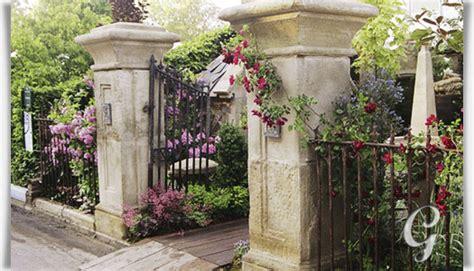 Antik Torpfeiler Stein Bausatz  Clarington House
