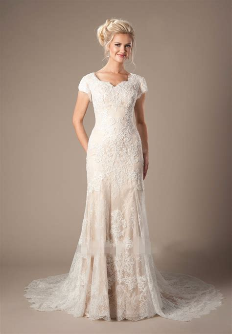 Champagne Lace Mermaid Modest Wedding Dresses With Cap