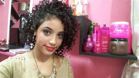 penteados sofisticados   um acessorio  cabelos cacheados curto  faciil de fazer
