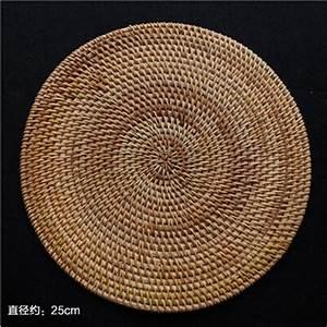Tapis Rond Osier : achetez en gros rotin table tapis en ligne des grossistes rotin table tapis chinois ~ Teatrodelosmanantiales.com Idées de Décoration