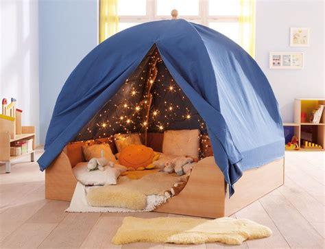 cabane dans une chambre les 25 meilleures idées de la catégorie lit cabane sur