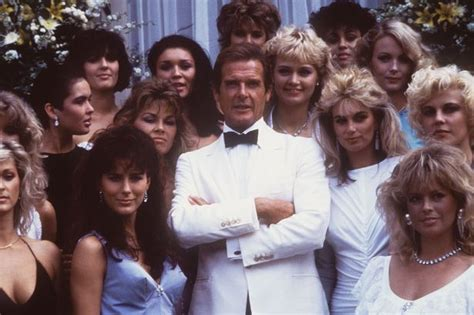 James Bond star Roger Moore heading to Manchester on new ...