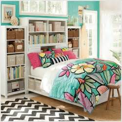 spread freshness with floral quilts in your room