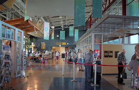 comox valley airport terminal building fletcher pettis