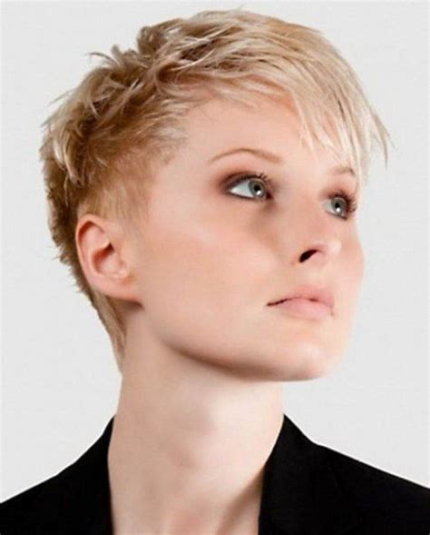 Cropped Pixie Hairstyle by 10 Pixie Crop Hairstyles Goostyles