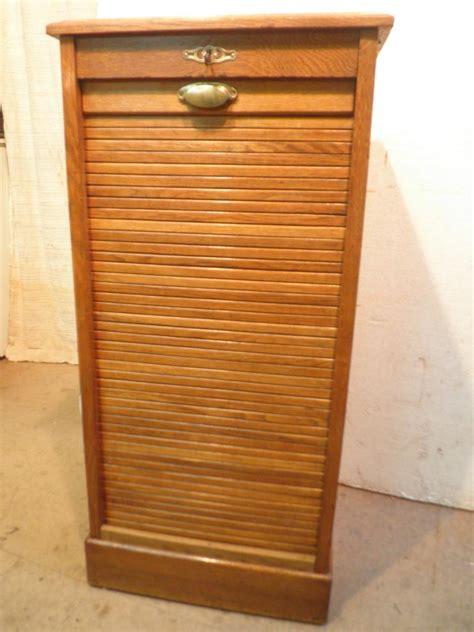 meuble rideau bureau meuble classeur à rideau en chêne