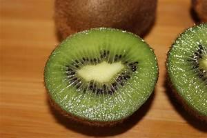 Kiwifruit Kiwi Fruit Free Stock Photo - Public Domain Pictures